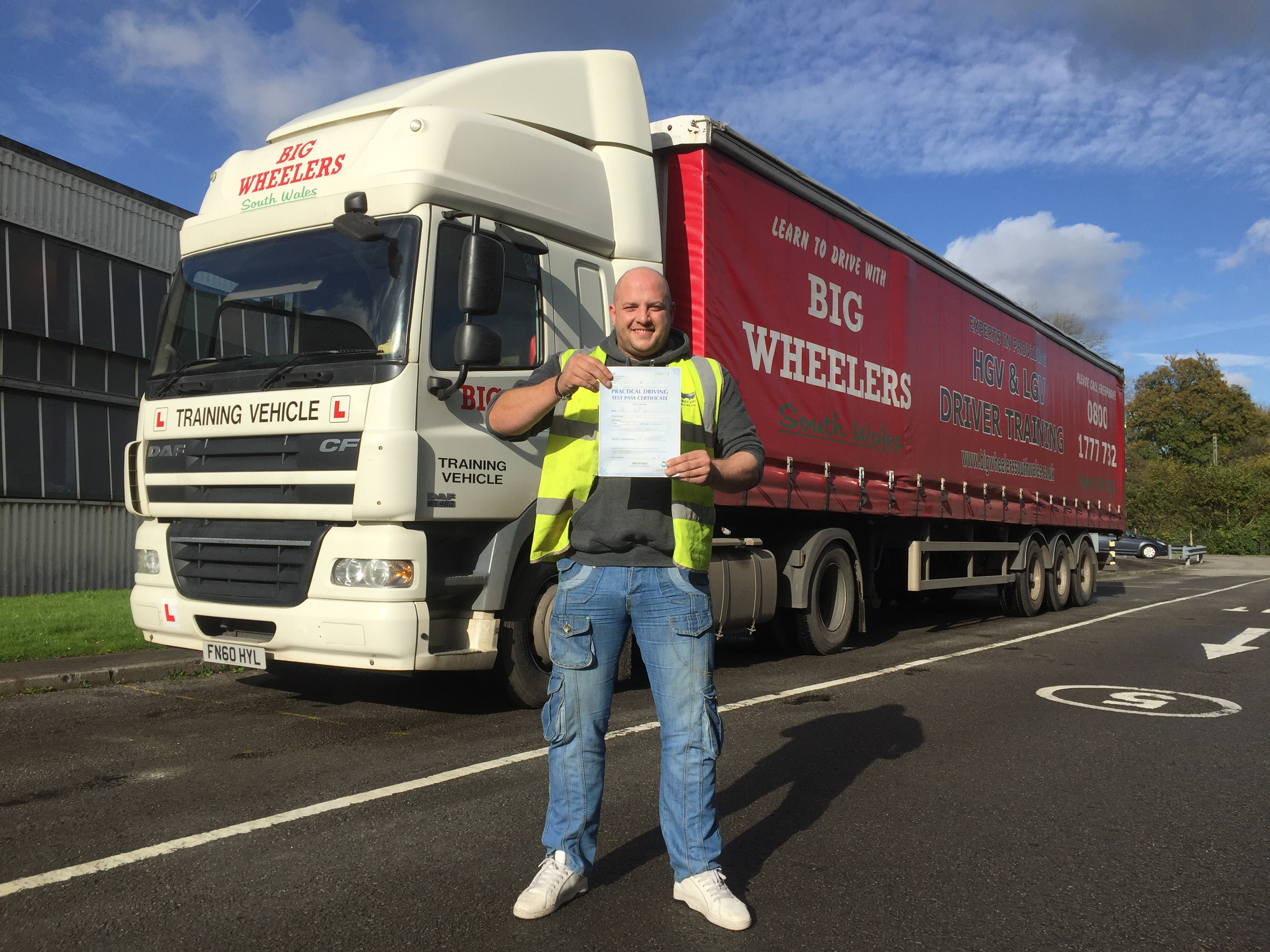 LGV C+E (HGV Class 1) Training Package (16 hours) for a Professional Artic Truck Driver