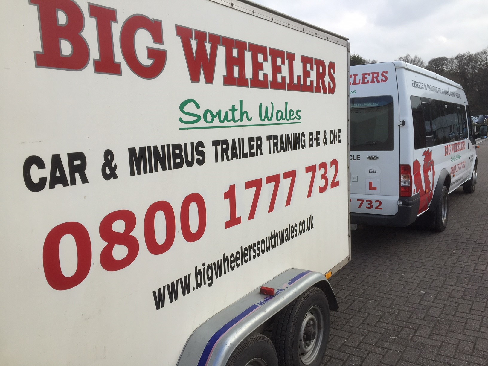 PCV D1+E (Minibus Towing a Trailer) Training Package (12 hours) – Using our Vehicle and Trailer